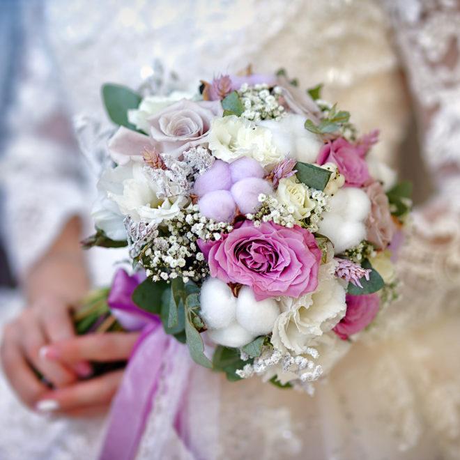 Съемка от свадебного фотографа: свадебный букет
