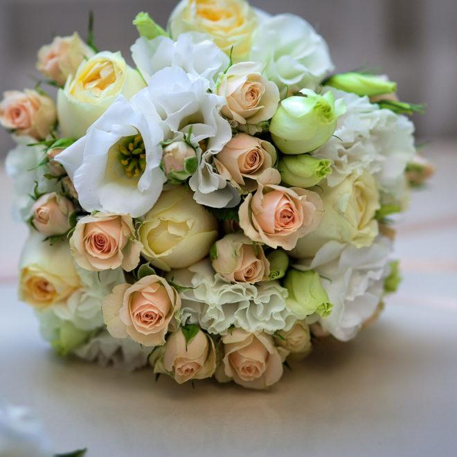 Съемка в ст. Выселки от свадебного фотографа: свадебный букет