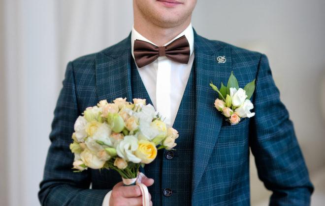 Съемка в ст. Выселки от свадебного фотографа: сборы жениха