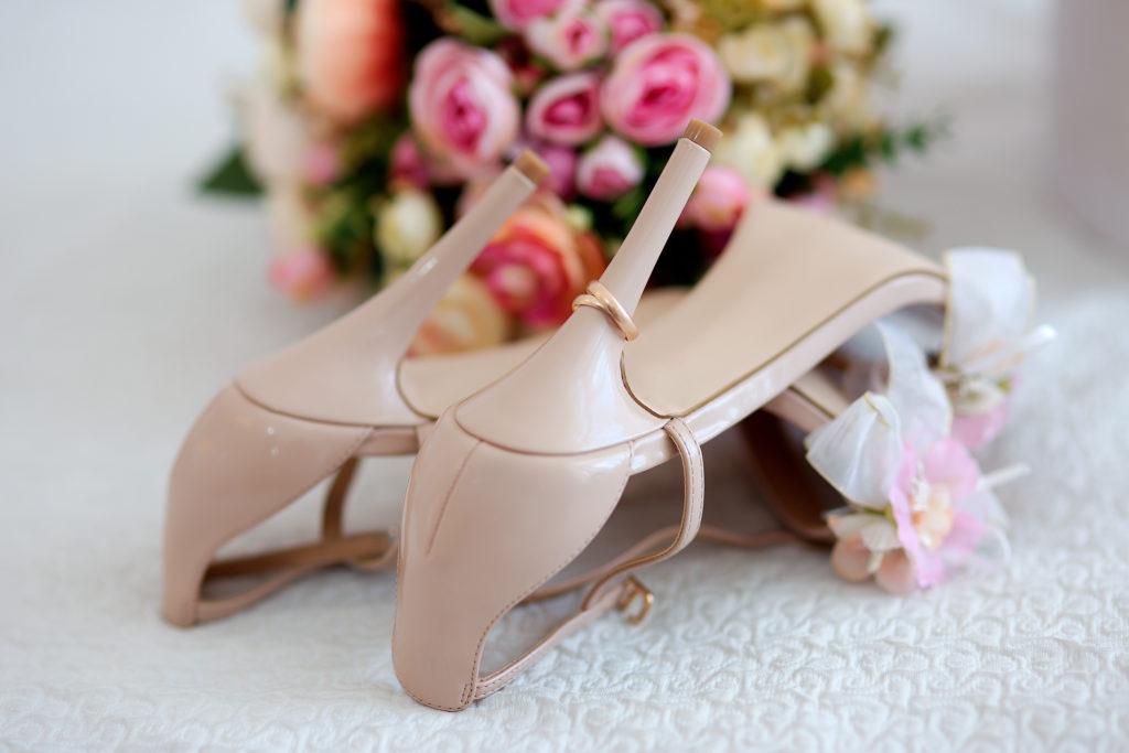 Свадебный букет и кольца. Съемка в Краснодаре от свадебного фотографа