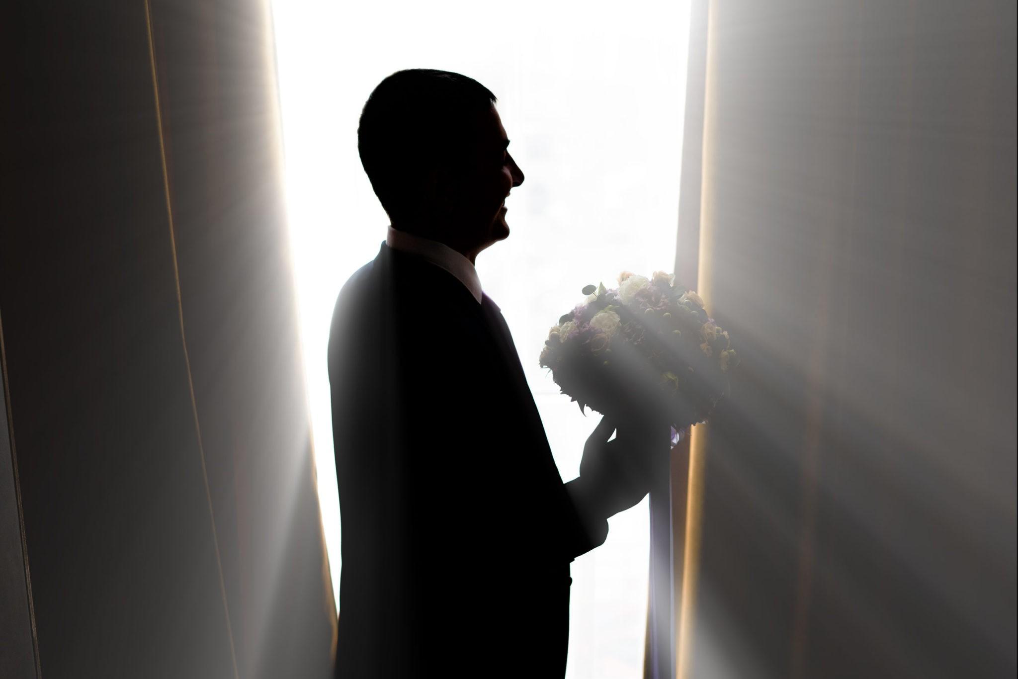Сборы жениха, утро жениха, сборы жениха и невесты от Краснодарского свадебного фотографа