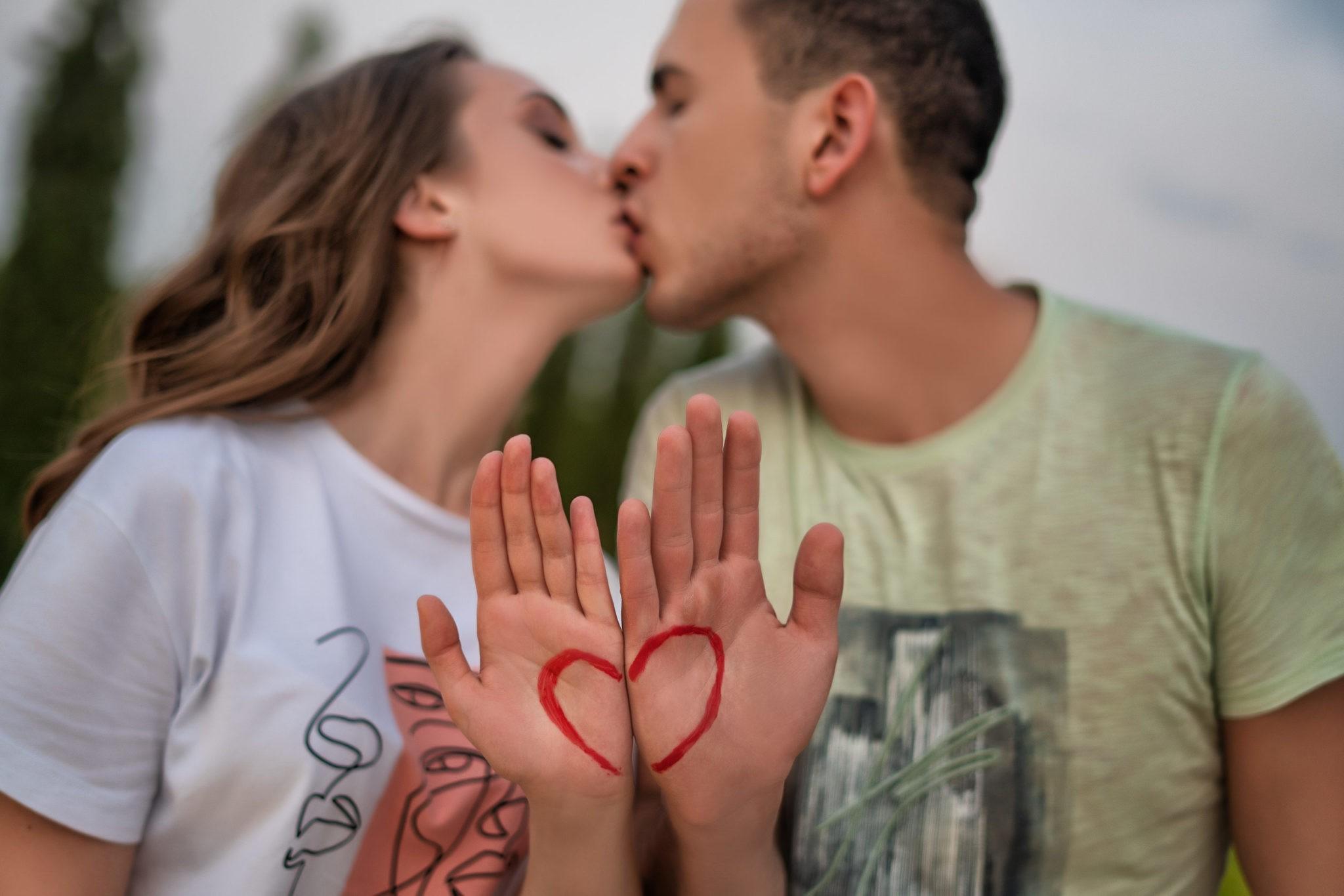 Love story в Краснодаре, парк Галицкого, предсвадебная фотосъемка от свадебного фотографа в Краснодаре