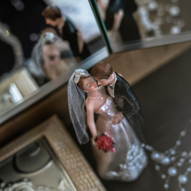 Свадебная съемка в Анапе от Краснодарского свадебного фотографа: детали со сборов невесты