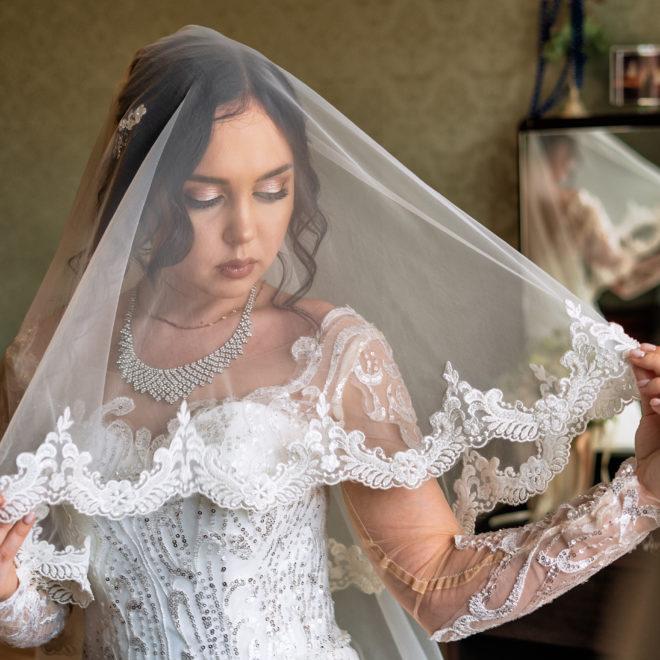 Свадебная съемка в Анапе от Краснодарского свадебного фотографа: сборы невесты