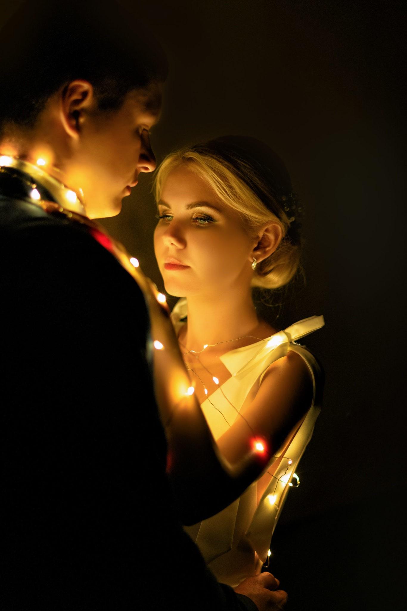 Свадебная фотосъемка в Крымске от Краснодарского свадебного фотографа: ночная свадебная съемка
