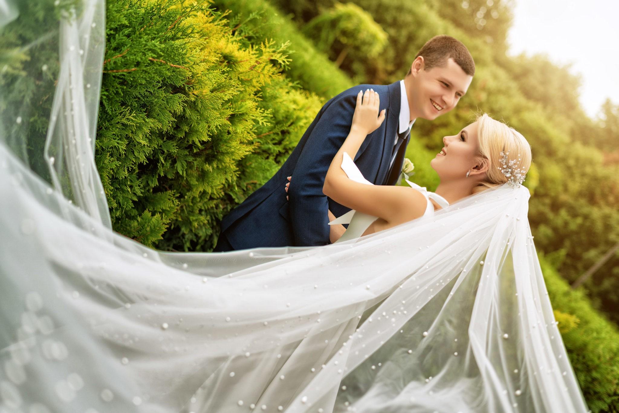 Свадебная фотосъемка в Крымске от Краснодарского свадебного фотографа: выездная съемка