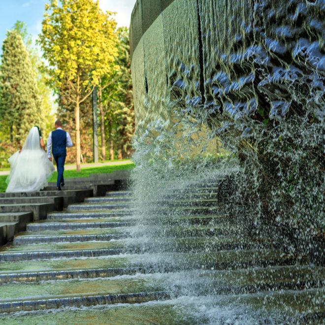 Парк Галицкого, г.Краснодар. Свадебная фотосъемка от Краснодарского свадебного фотографа в парке ФК Краснодар