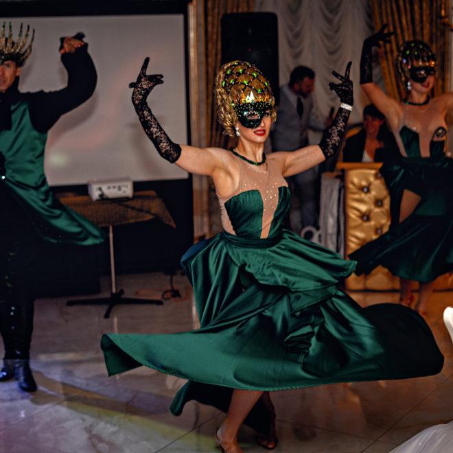 Эффектное выступление шоу-балета на свадебном банкете в Краснодаре