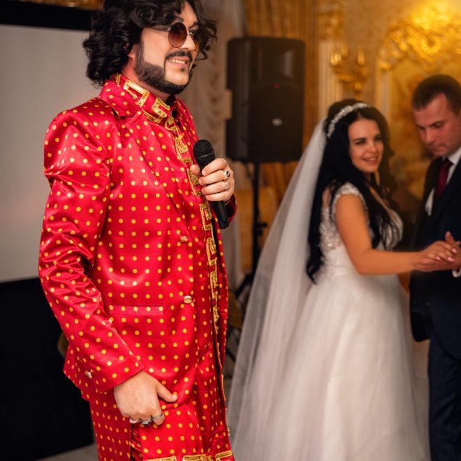 """Выступление Киркорова на свадебном банкете. Свадебная фотосъемка банкета от Краснодарского свадебного фотографа в отеле """"Монарх"""""""