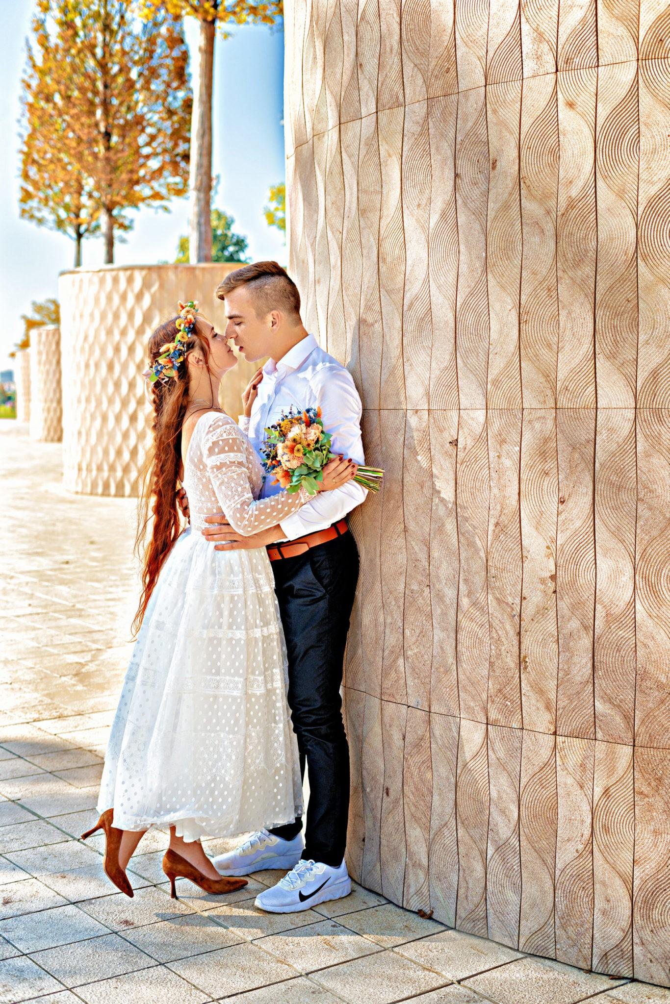 Аллея парка Галицкого, Краснодар. Свадебная съемка от Краснодарского свадебного фотографа