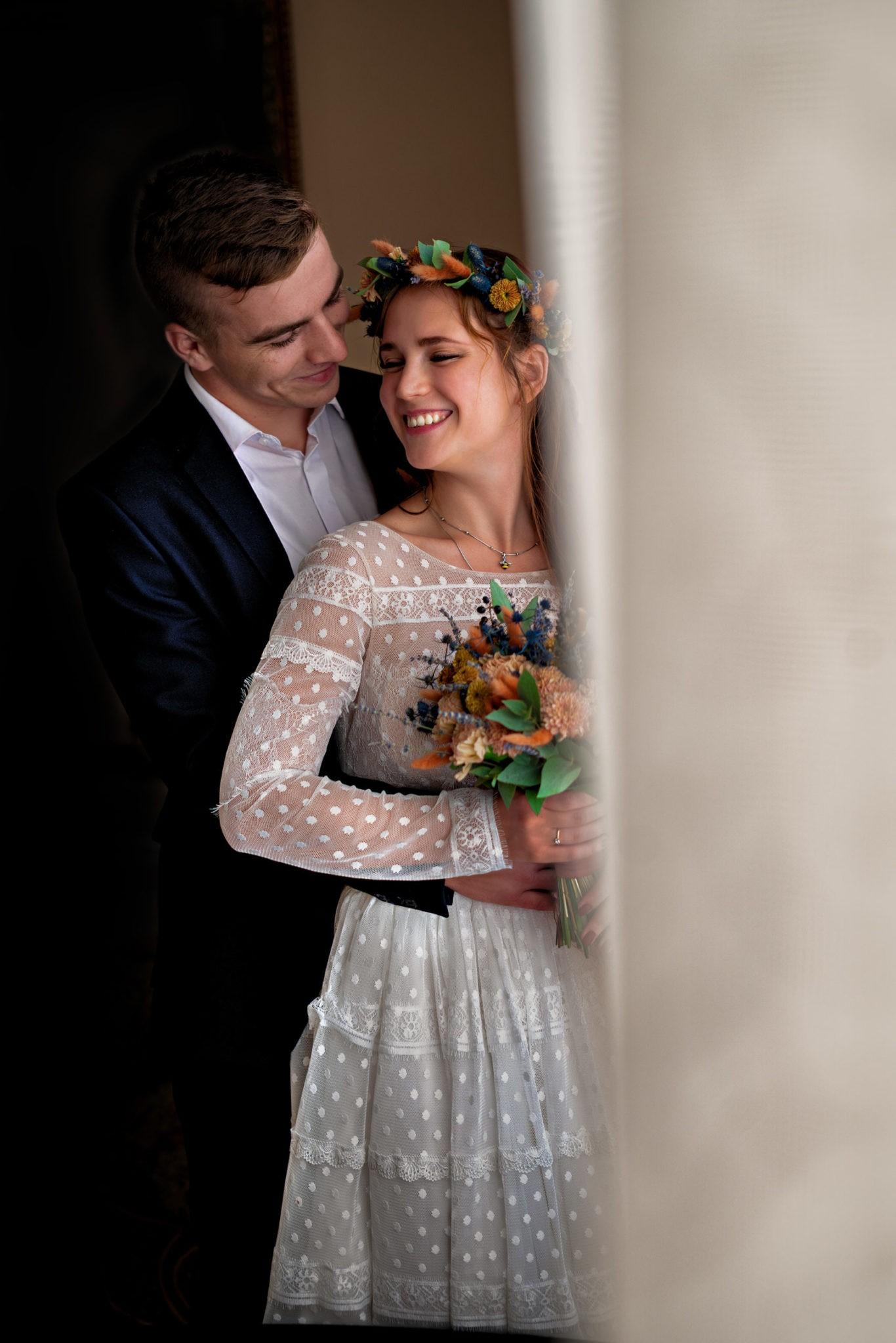 Свадебная фотосъемка от Краснодарского свадебного фотографа в ЗАГСе Екатерининский зал офицерская