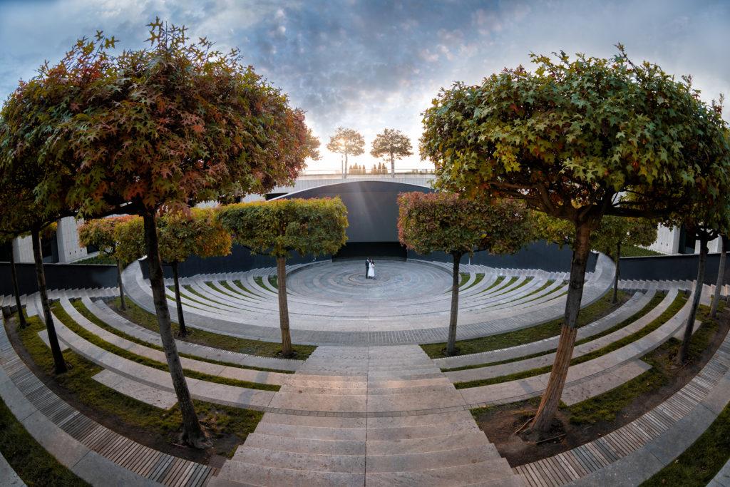 Осеннее настроение, парка Галицкого, амфитеатр, г Краснодар. Художественная свадебная фотосъемка от Краснодарского свадебного фотографа в парке ФК Краснодар