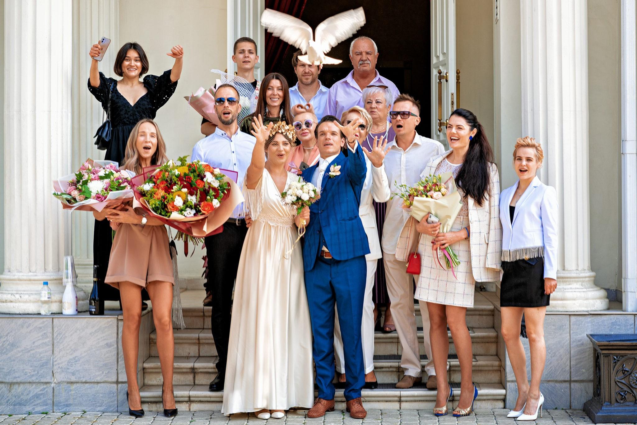 Cвадебная фотосъемка в ЗАГСе Екатерининский Зал Краснодар от свадебного фотографа: отпускаем голубя