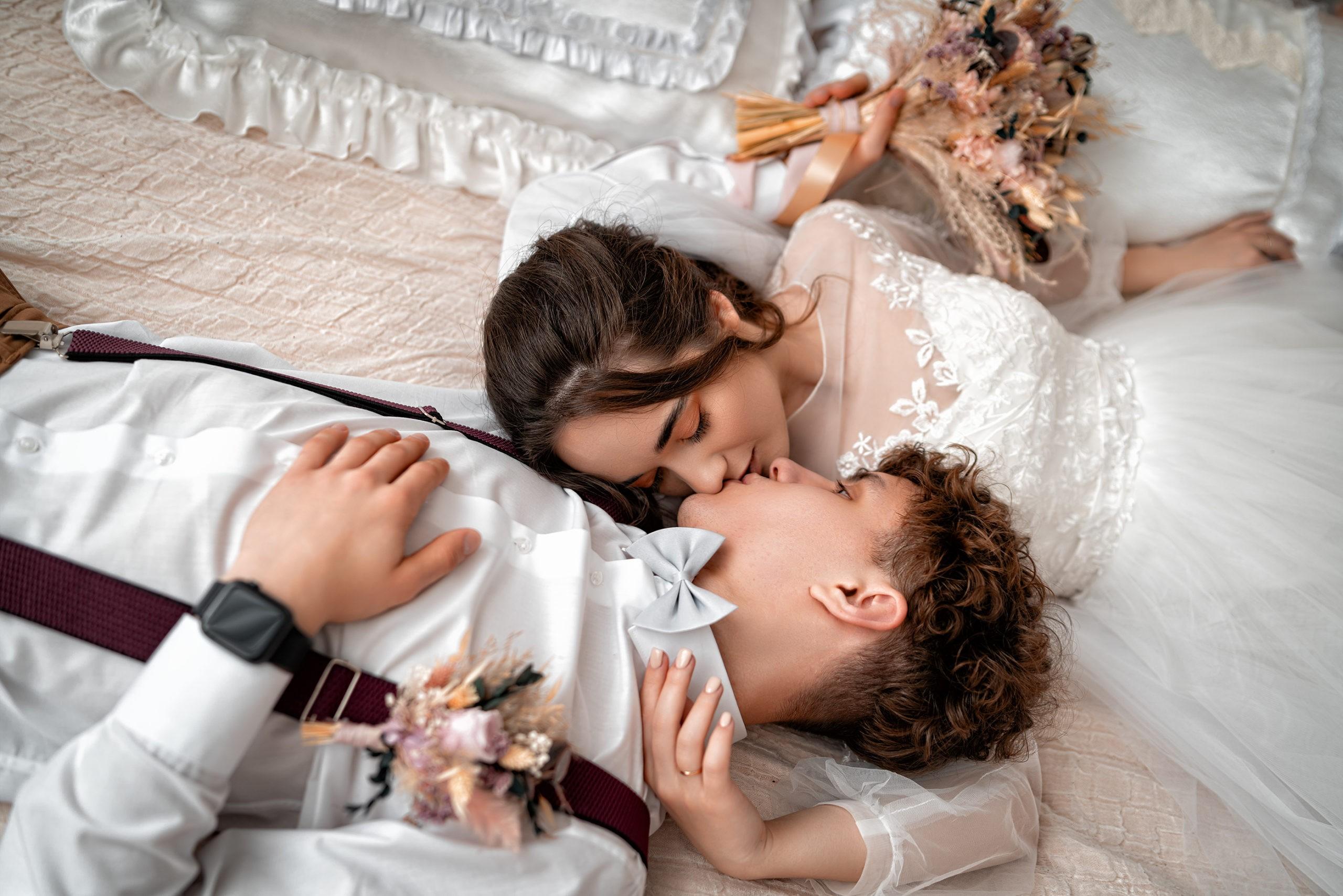 Свадебная фотосъемка от Краснодарского свадебного фотографа в студии Краснодара