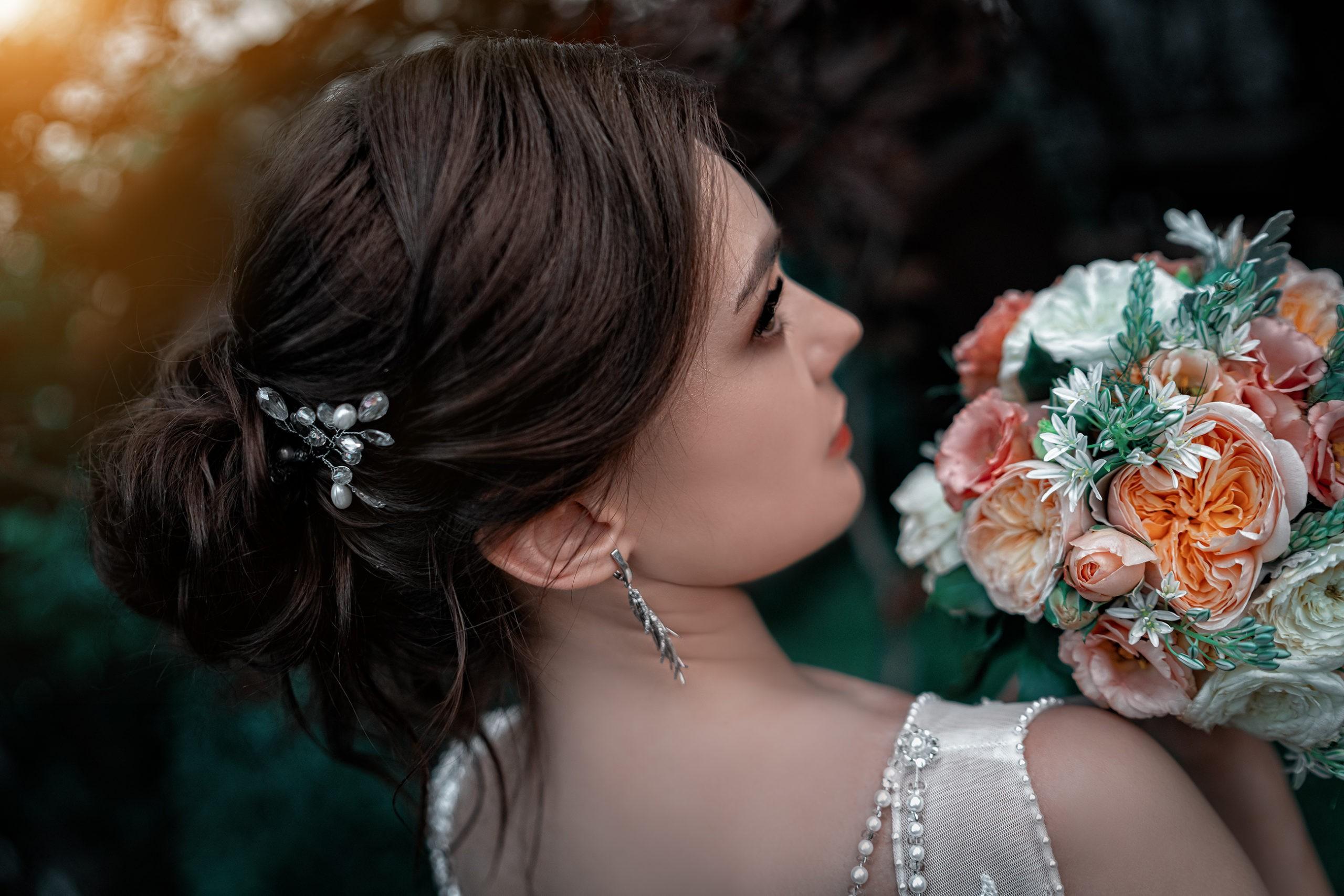 Свадебный букет невесты. Свадебная съёмка в локациях Райский берег от свадебного Краснодарского фотографа